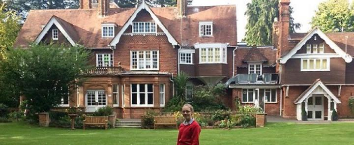 Johanna in front of the English boarding school for girls, Rye St Antony, Oxford | Dickinson School Consulting